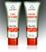 Moisture Shampoo e Verniz Texture em bisnagas de 150ml/g.