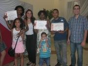 Na última ação conjunta com a Grandha no ano, o alunos receberam o certificado de cabeleireiro.